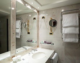 Bathroom mirror Coorparoo