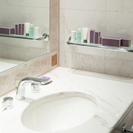 Bathroom mirror Upper Mount Gravatt