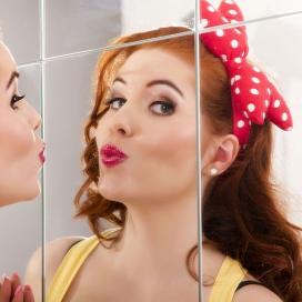 Girl kissing mirrors Brisbane Qld